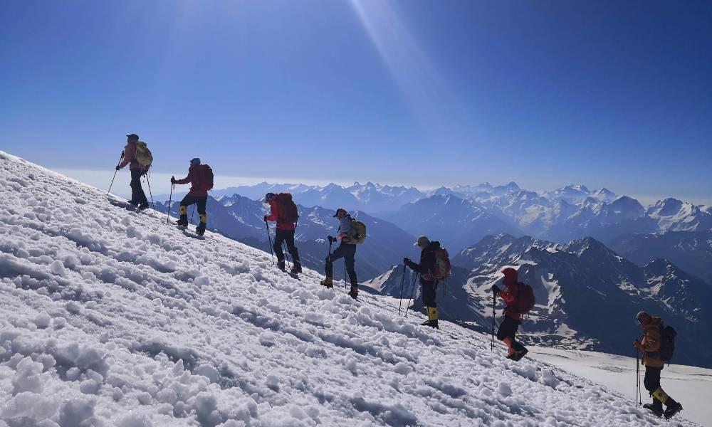 2019莫斯科马拉松+「欧洲之巅」厄尔布鲁士攀登之旅11天10晚行程 (免抽签名额)