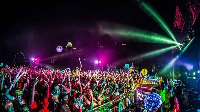 The Color Run 2015 炫彩夜跑-上海站