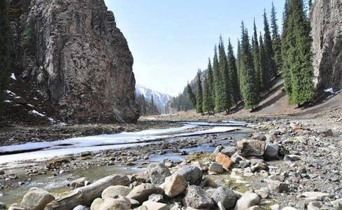 冬季狼塔穿越,挑战极限无人区探险,邂逅冰瀑冰河