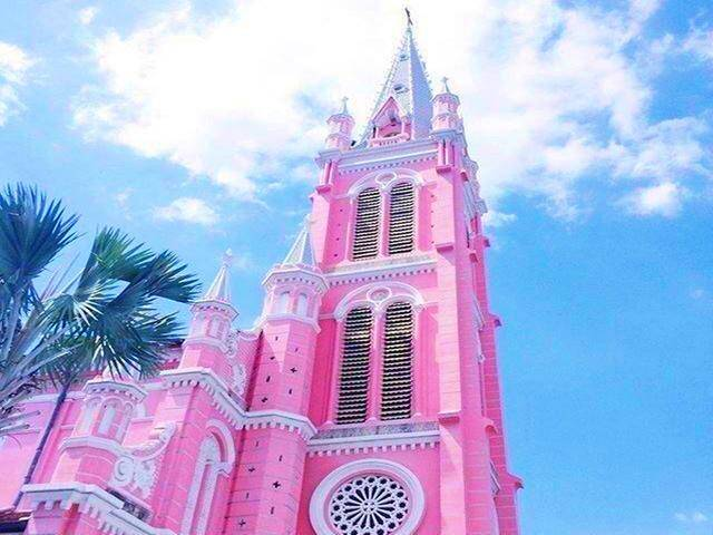 胡志明红教堂.jpg